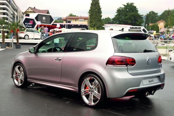 Volkswagen Golf R Color Concept