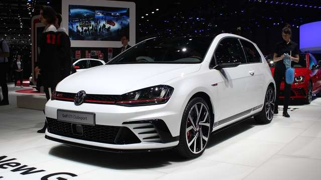 S1-volkswagen-golf-gti-clubsport-severement-burnee-en-direct-du-salon-de-geneve-2016-373950